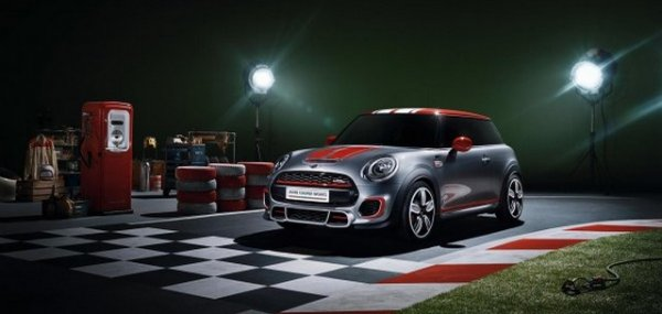 MINI John Cooper Works и MINI Superleggera Vision презентуют в Детройте