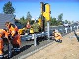Водителей Москвы обяжут выплатить штраф за повреждение дорожных барьеров.