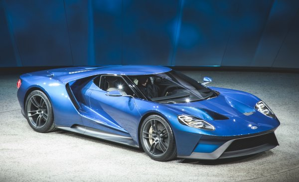 ������������ �������� Ford GT 2017 �������� ������� � 200 ������