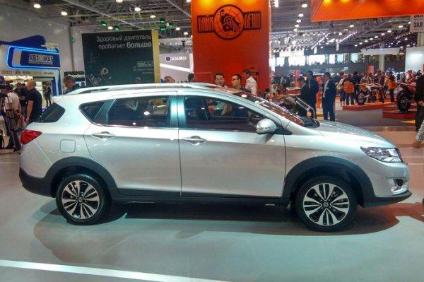 Dongfeng представил кроссовер AX3 на Московском автосалоне