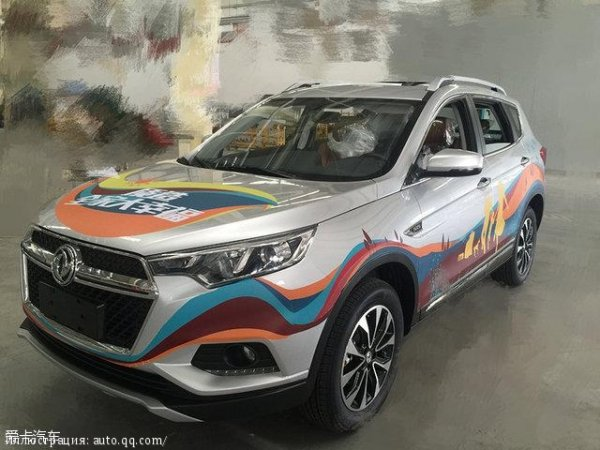 В сети появились шпионские фото нового Dongfeng Fengdu MX5