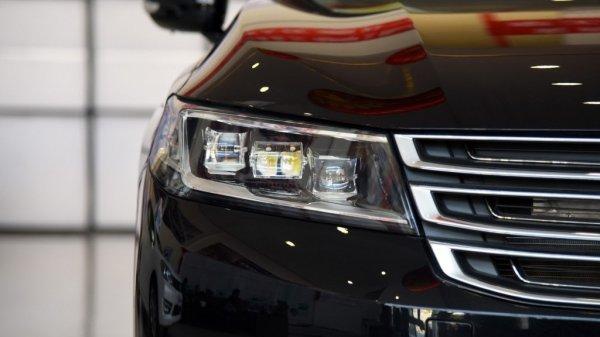 Dongfeng презентовал первый премиальный седан A9 на ММАС-2016