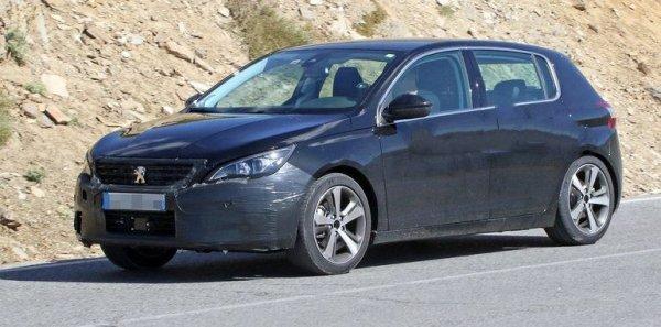 Фейслифтинговая версия Peugeot 3008 «засветилась» на испытаниях