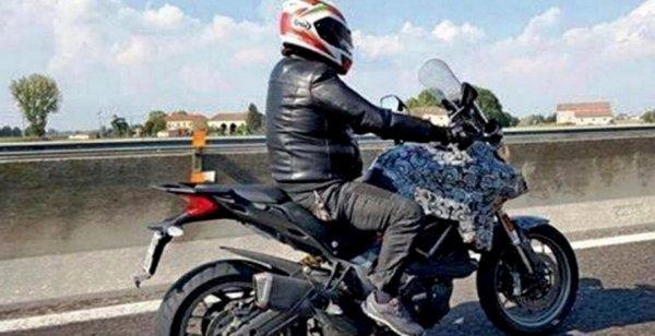В сеть попали шпионские фото Ducati Multistrada 939