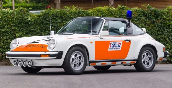 Уникальный полицейский Porsche 911 продадут с молотка