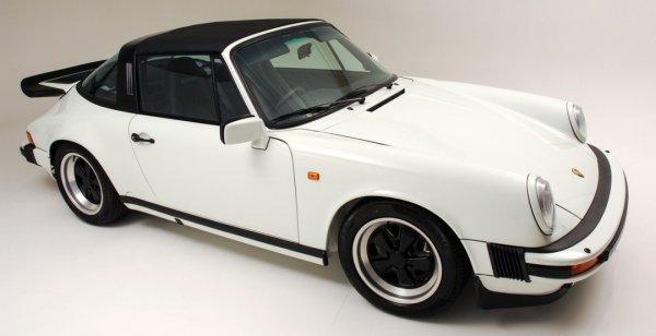 Отреставрированный Porsche 911 Carrera Sport 1988 продадут с молотка за 108 000 долларов