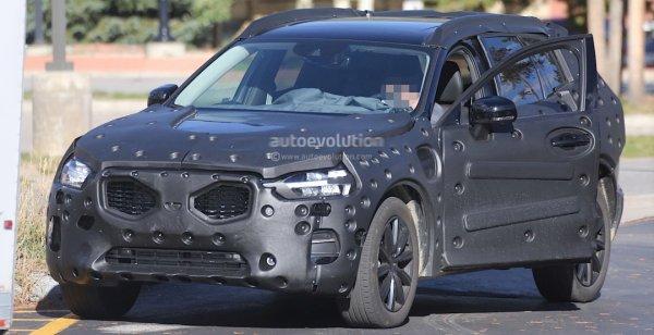 В сети появились фотографии прототипа Volvo XC60 2018