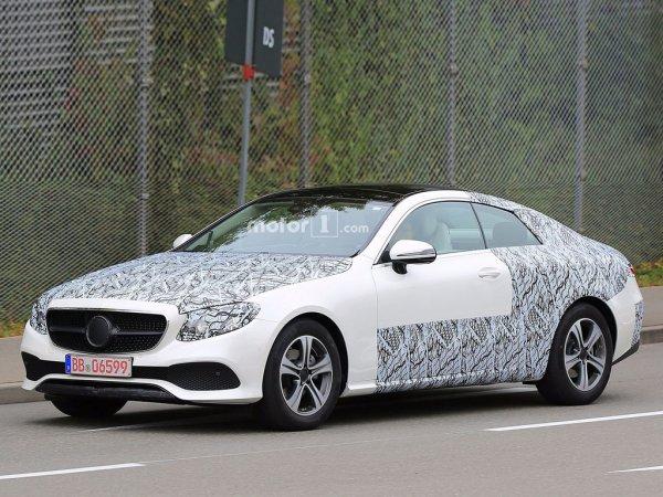 В сети появились шпионские снимки обновленного Mercedes-Benz E-Class