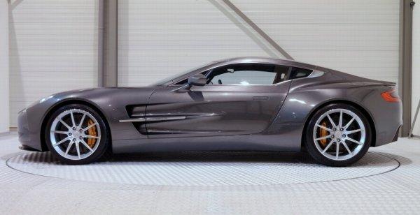 Aston Martin One-77 выставили на продажу за 2,1 млн долларов