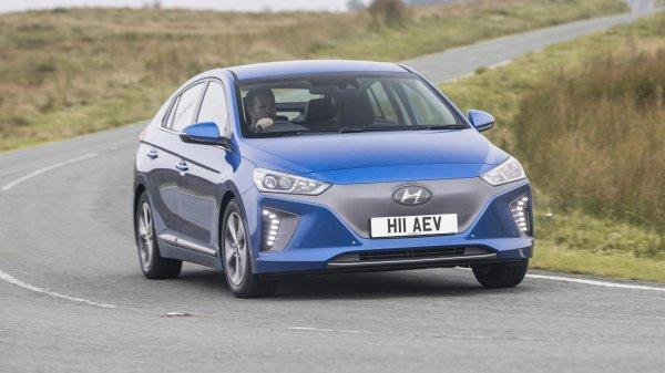 � ������ Prius �������� ���������: ����� Hyundai Ioniq 2016