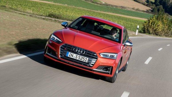 ������������ ��������� ������� �� ��������: ����� Audi S5 Sportback 2016