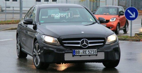 Mercedes-Benz тестирует обновленный C-Class 2018