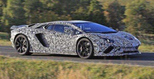 Lamborghini готовит рестайлинговый Aventador S