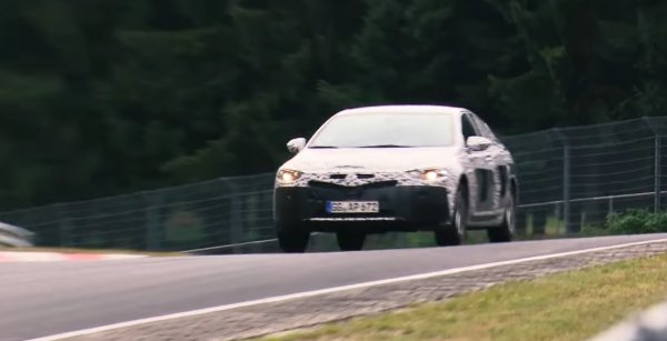Названы главные конкуренты нового Opel Insignia