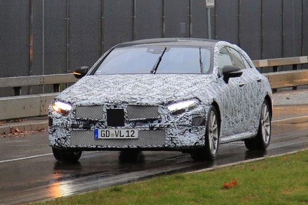 В сети появились фото с тест-драйва нового Mercedes-Benz CLS