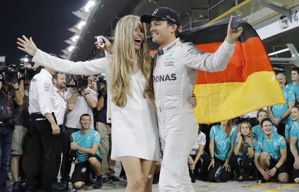 Нико Росберг покинет Формулу-1 в звании чемпиона