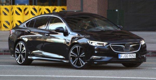 Новый Opel Insignia запечатлен фотошпионами без камуфляжа