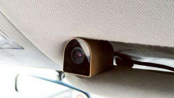 В Дубае во всех такси к 2018 году установят камеры наблюдения
