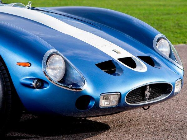 На аукционе представлена самая дорогая машина — Ferrari 250 GTO 1962 года