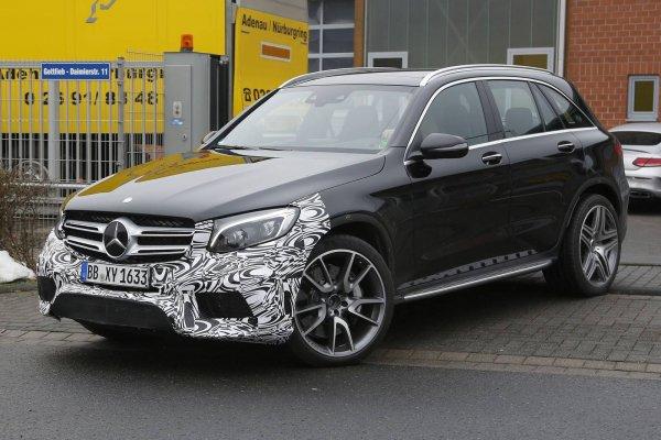 В сети появились фото «заряженной» версии Mercedes-AMG GLC 63