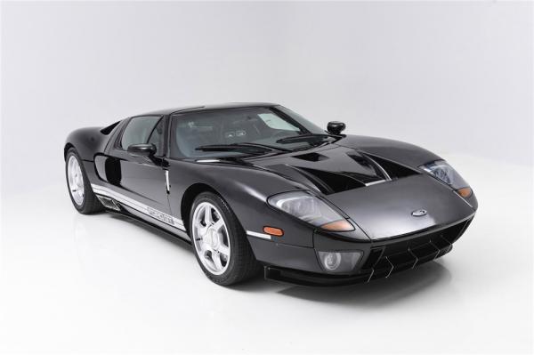 На аукцион выставлен первый функциональный Ford GT