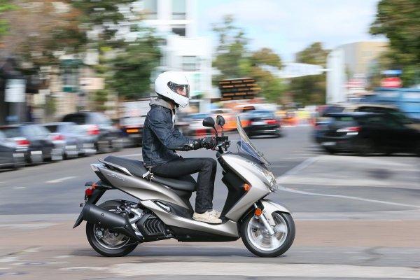 Yamaha отзовёт партию скутеров SMax 2015 из-за неисправного спидометра