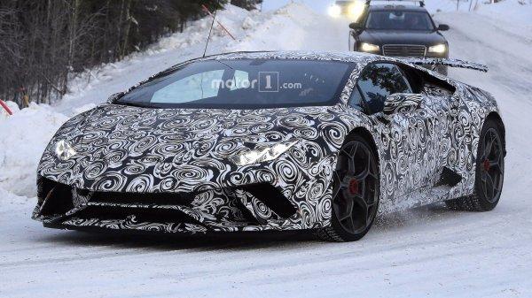 Lamborghini Huracan Spyder Performante «засветился» на шпионских снимках