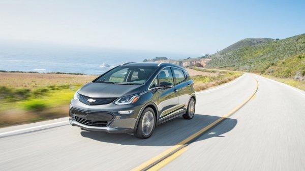 Электрокар Chevrolet Bolt признан «Автомобилем года-2017» в США
