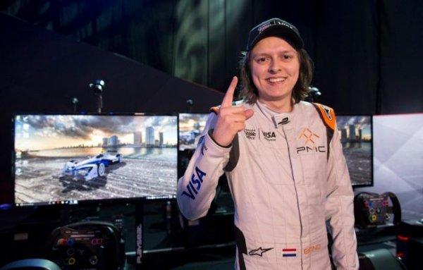 За победу в виртуальной гонке 20-летний Гюйс получил $225 000