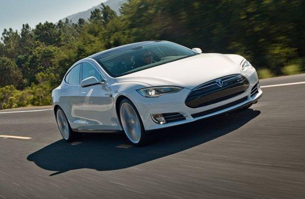 Над «автопилотом» для Tesla будет работать Крис Лэттнер