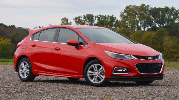Обновленный Chevrolet Cruze получит экономичный