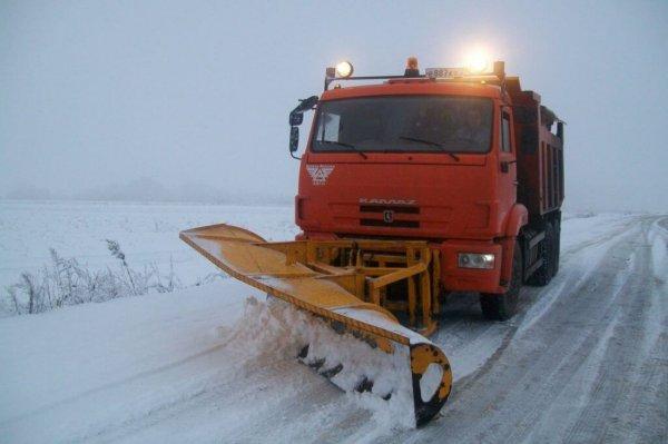 Из-за снегопада в Крыму возникли многокилометровые пробки