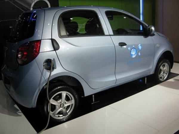 Китай в четыре раза увеличит производство авто на новых источниках энергии
