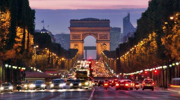 В Париже вводят информационные стикеры против загрязнения воздуха
