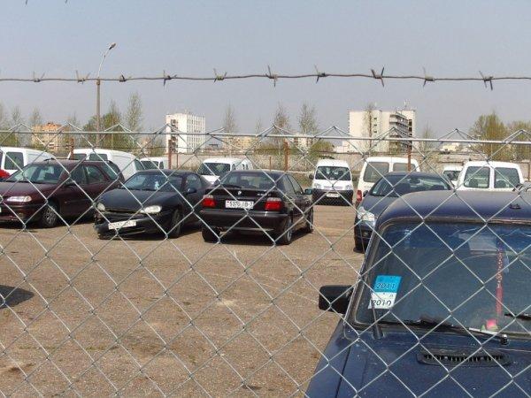 В Саратове могут создать спецстоянки для автомобилей-вещдоков