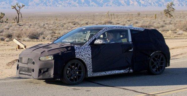 Прототип Hyundai Veloster нового поколения вывели на тесты