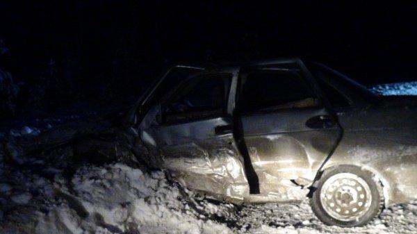 Уставший водитель спровоцировал смертельное ДТП на Среднем Урале