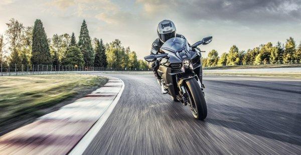 Приём заказов на Kawasaki Ninja H2 Carbon в США стартует в скором времени