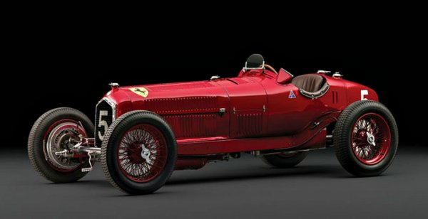 Alfa Romeo Tipo B P3 1934 года выпуска был продан в Париже за рекордную сумму