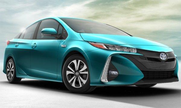 Toyota в 2016 году продала более миллиона гибридных авто