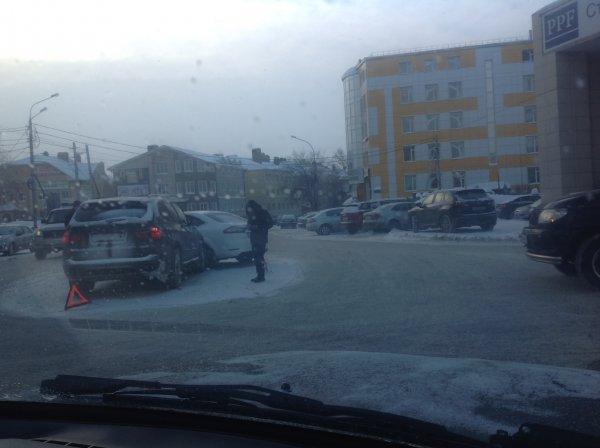 Автомобиль главы администрации попал в дтп
