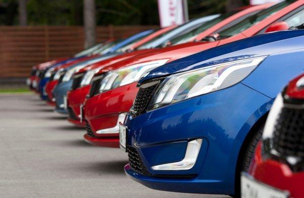 В ЕС продажи автомобилей в январе выросли на 10,2%