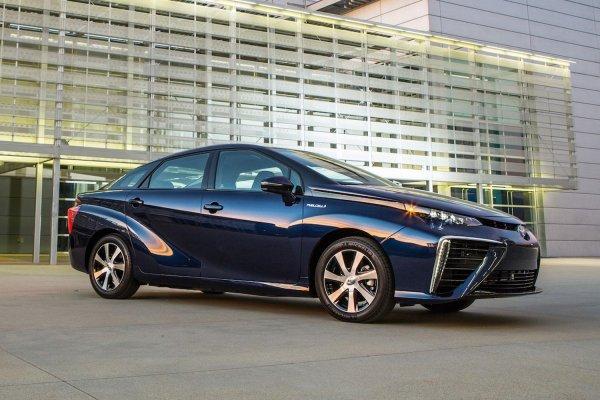 Toyota отзывает 2 800 водородных автомобилей Toyota Mirai