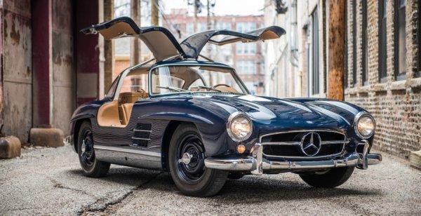Mercedes 300 SL Gullwing продаётся за $1,4 млн долларов