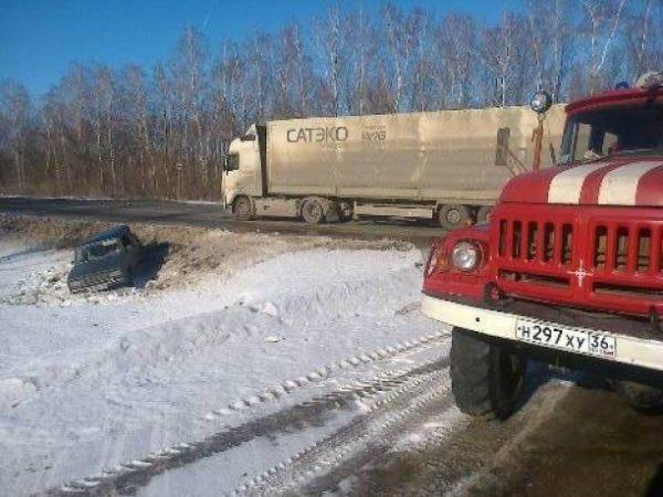 Пенсионерка пострадала в ДТП с пятью машинами в Воронежской области