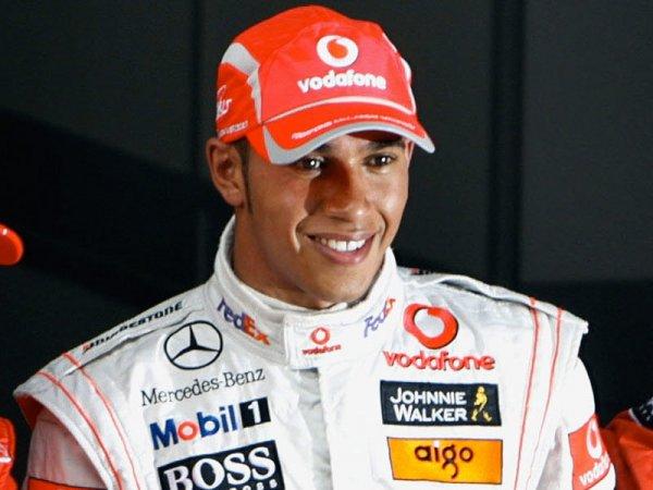 Льюис Хэмильтон поделился мнением о новом регламенте F1