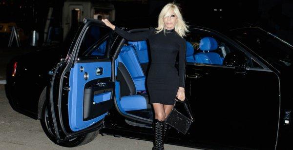 Rolls-Royce Ghost нарядили в бренд Versace