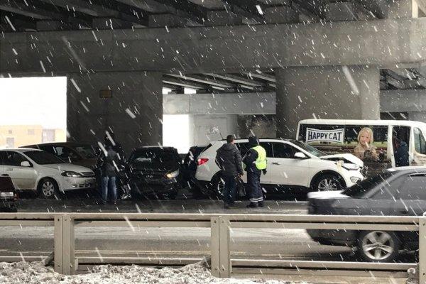 СМИ: ДТП с 27 машинами на Минском шоссе произошло из‑за невыставленного знака