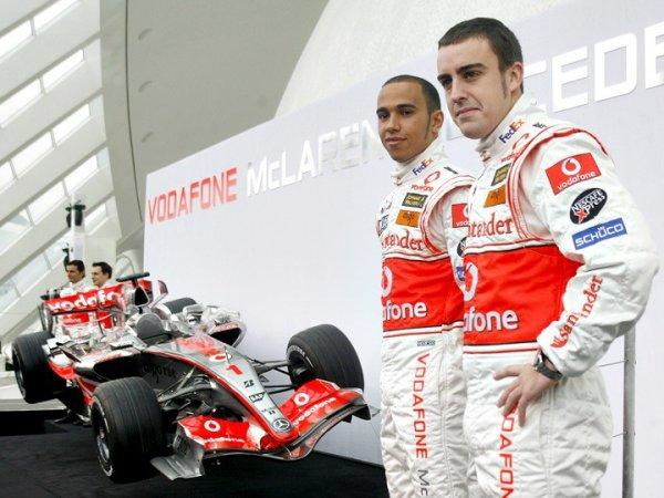 В Mercedes озвучили график работы пилотов на тестах F1