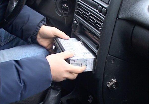 В Ярославле участились кражи автоаксессуаров из машин